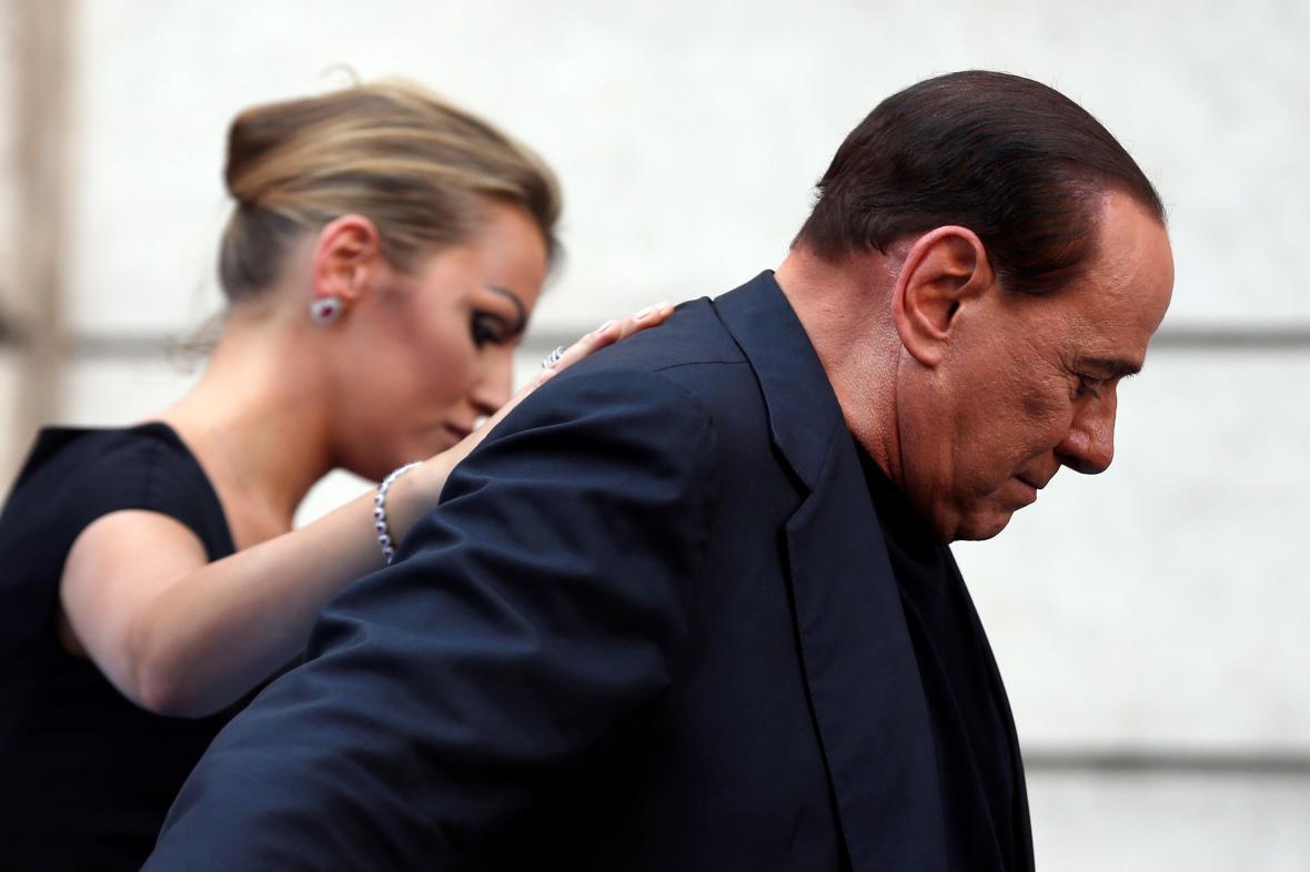 Silvio Berlusconi a jeho přítelkyně Francesca Pascale