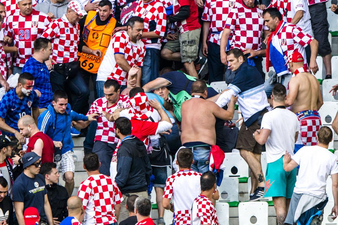 Fotbalové násilí během utkání Česko-Chorvatsko
