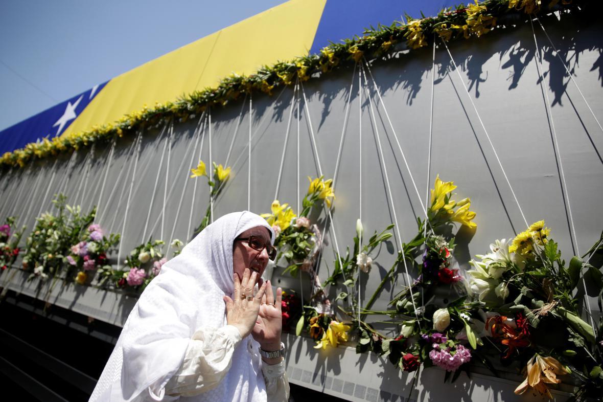 Lidé si připomněli oběti masakru ve Srebrenici