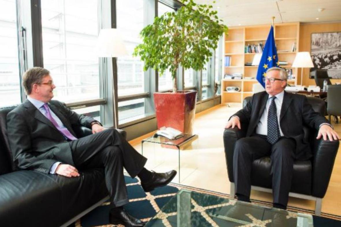 Sir Julian King s Jeanem-Claudem Junckerem