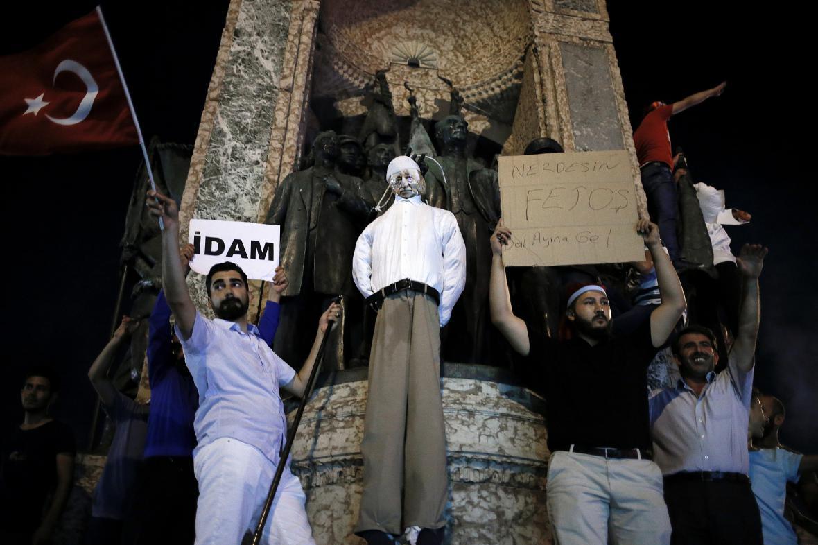 Dav žádající smrt Gülena