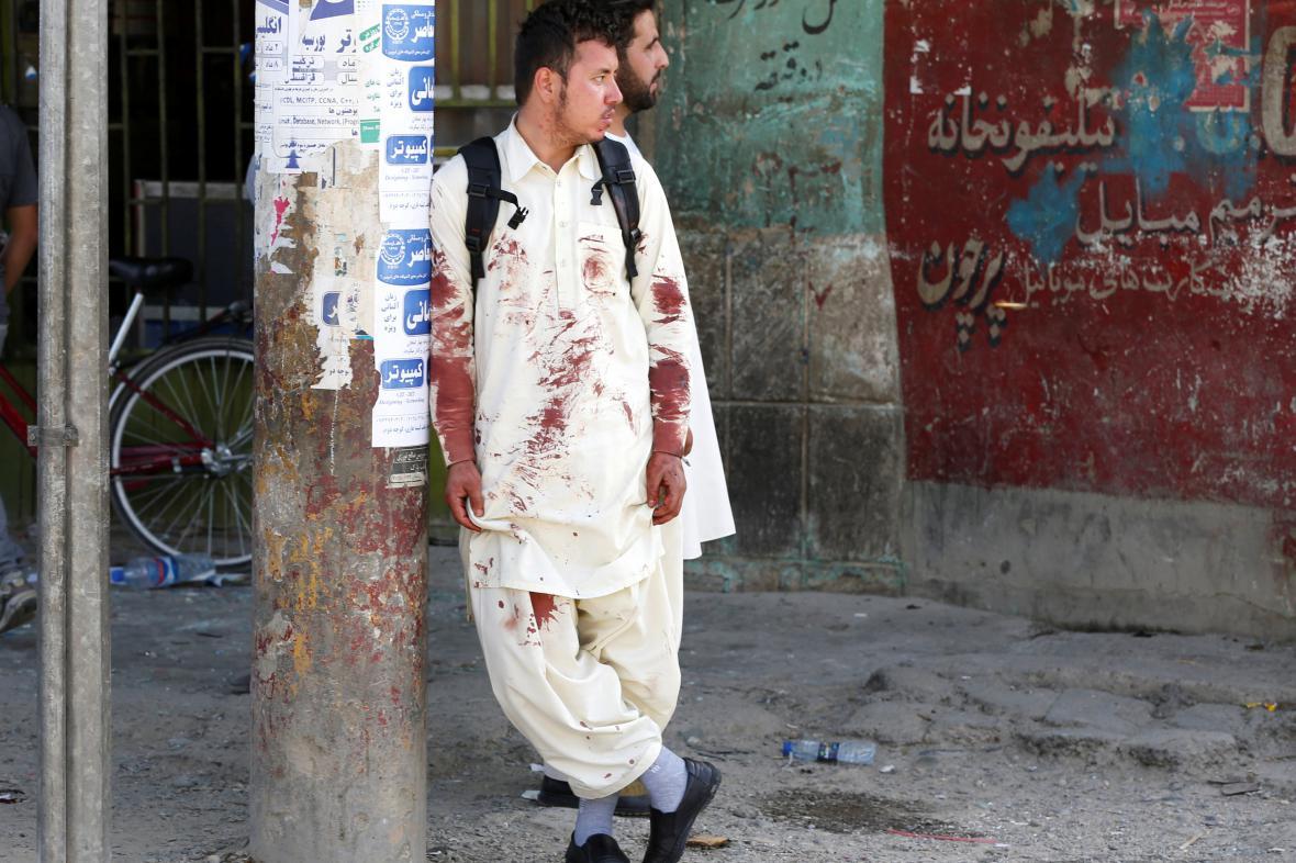 Svědci sebevražedného útoku v Kábulu