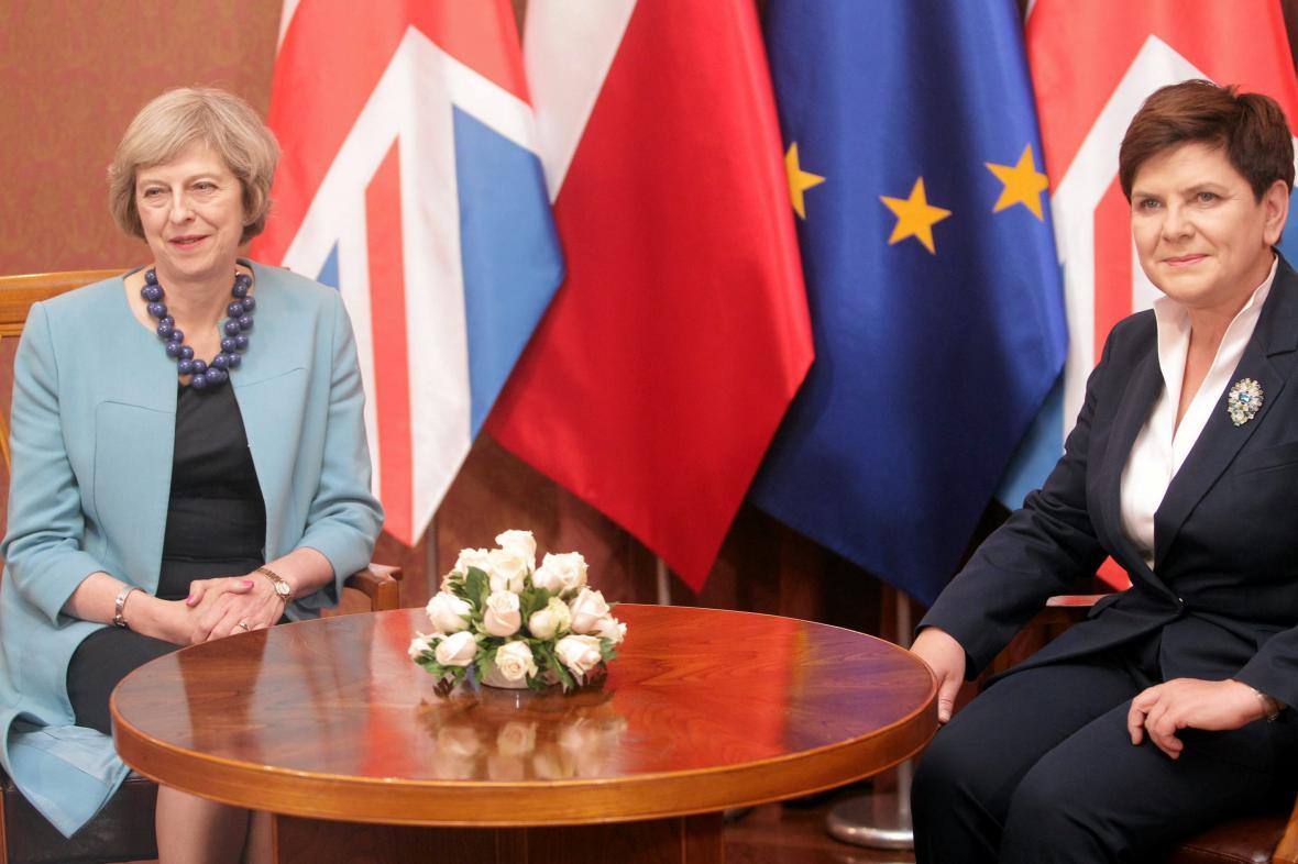 Theresa Mayová s Beátou Szydlovou