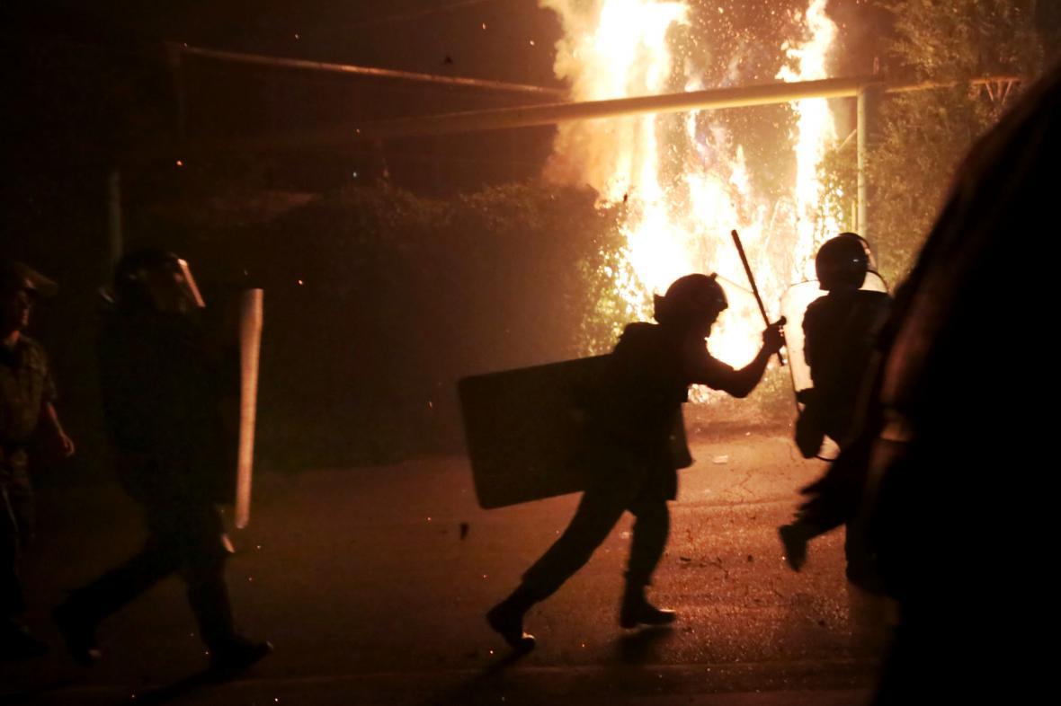 Střety demonstrantů s policií v Jerevanu