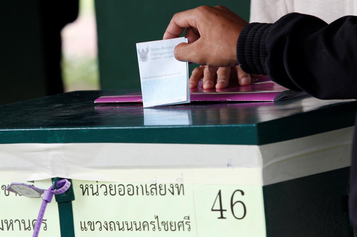 Thajsko hlasuje v referendu o ústavě