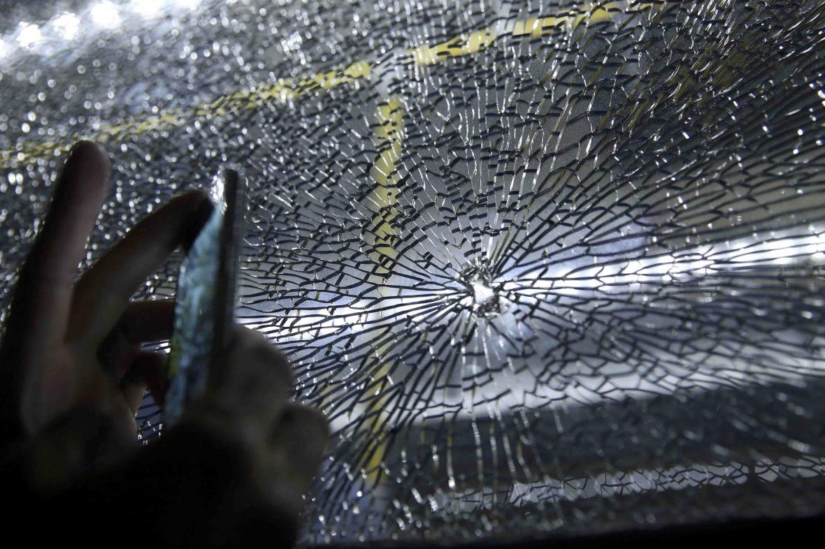 Novinářský autobus v Riu zasáhli útočníci