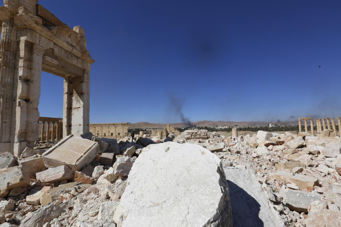 Zničený chrám boha Bela v Palmýře