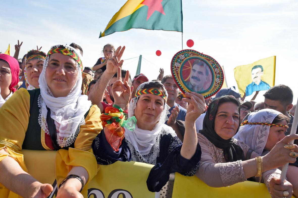Kurdská demonstrace v Kolíně
