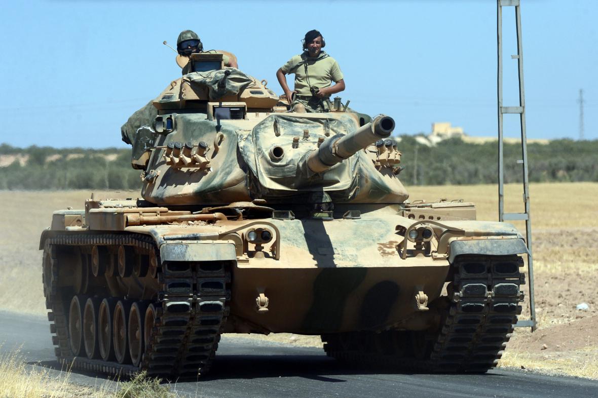 Turecká armáda v operaci Štít Eufratu