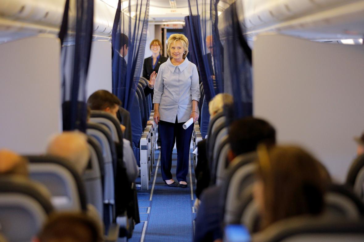 Clintonová prochází svým novým letadlem