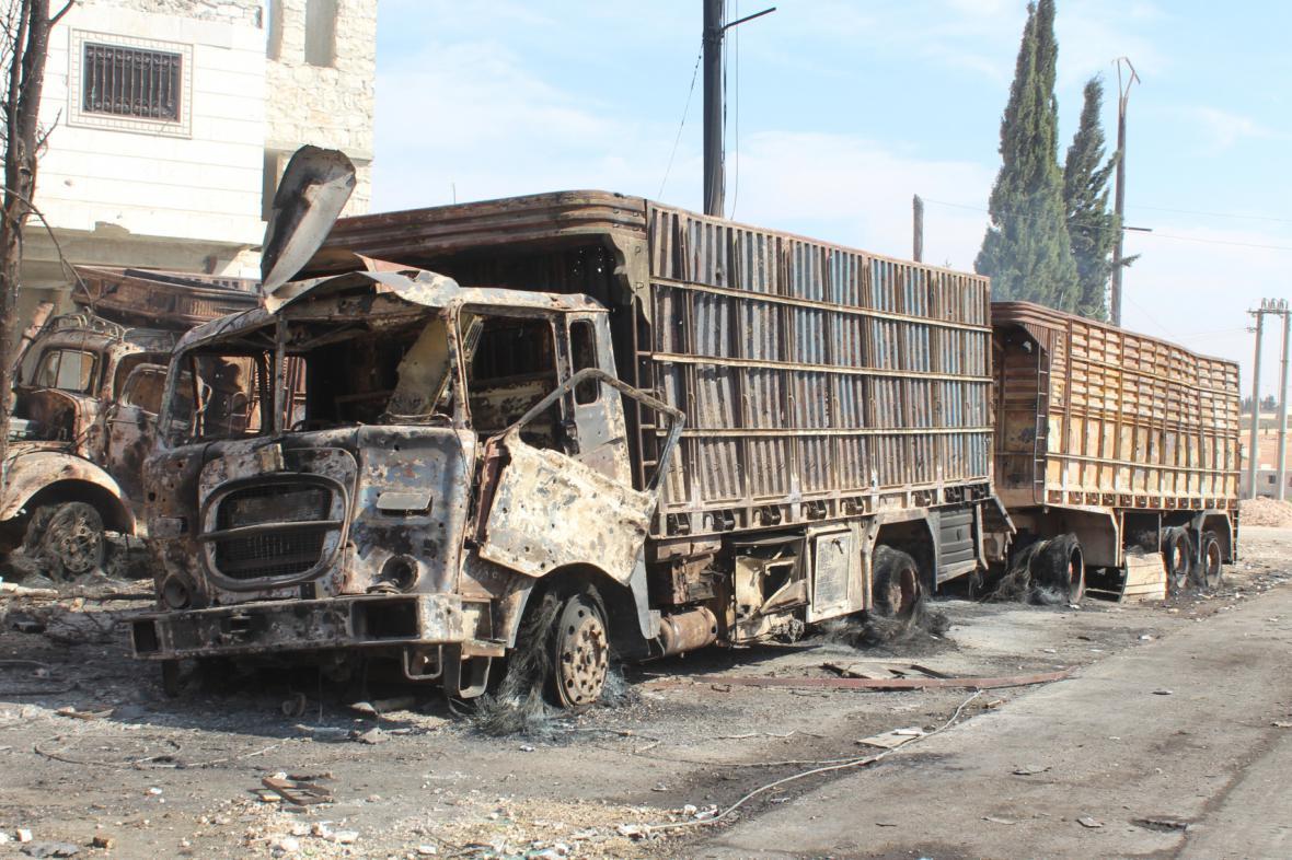 Humanitární konvoj po útoku v Sýrii