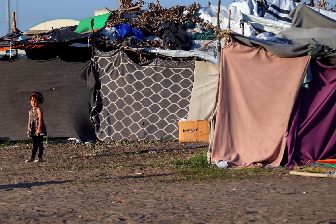 Dětský uprchlík na maďarsko-srbské hranici