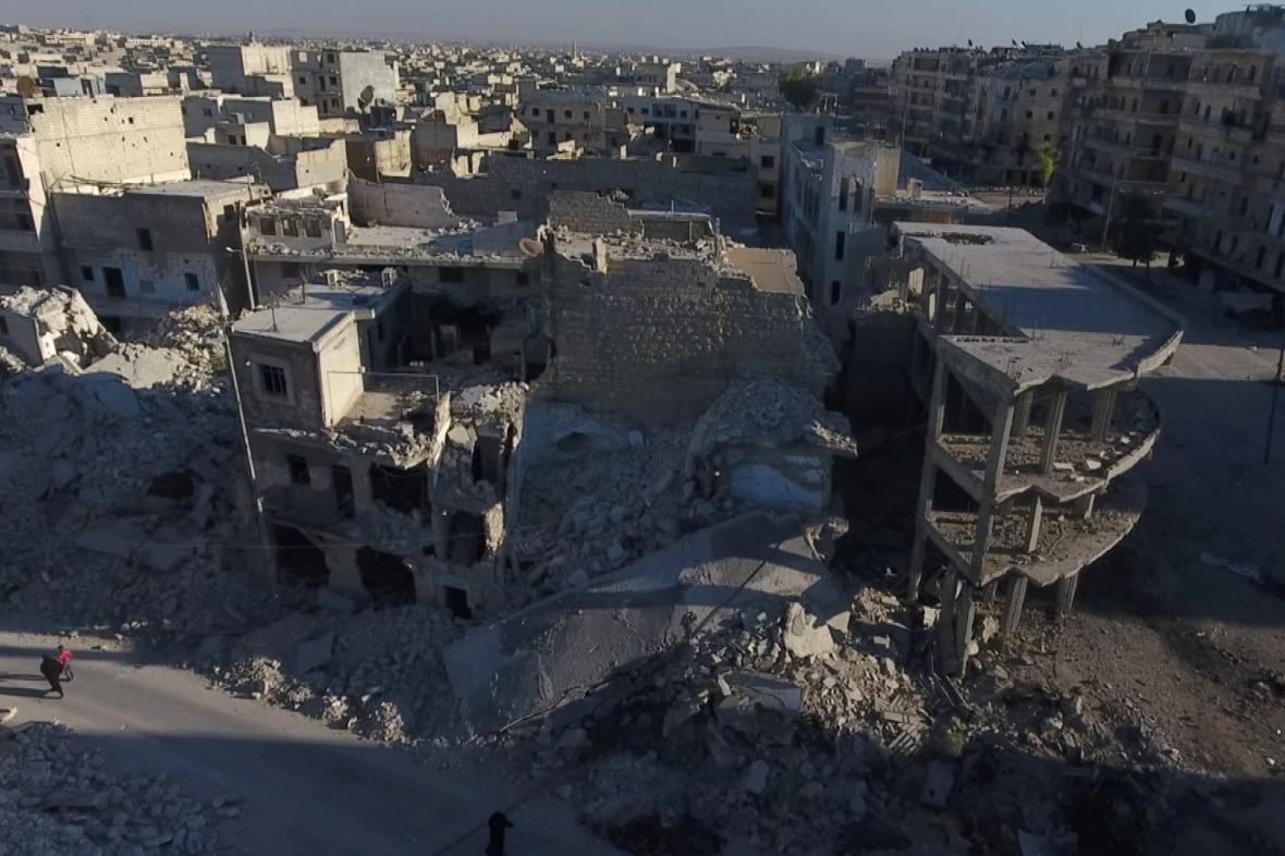 Fotka rozbombardovaného Aleppa pořízená z dronu
