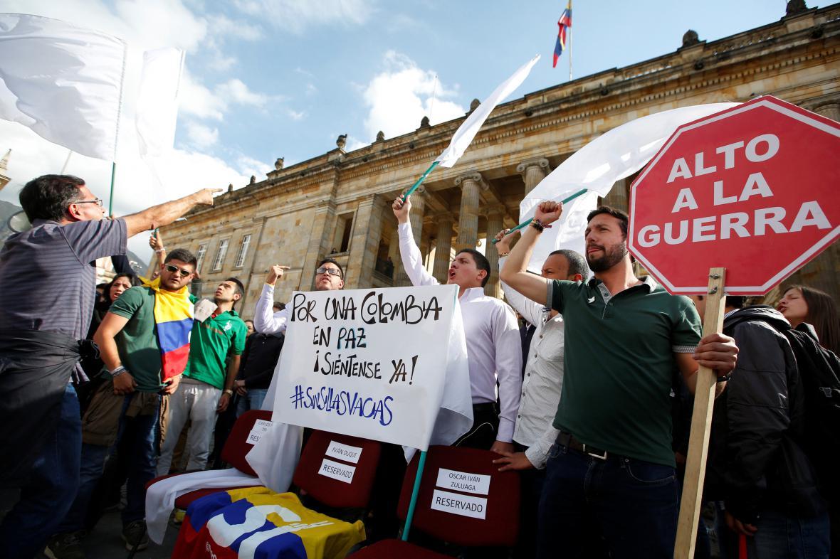 Příznivci mírové dohody z řad studentů