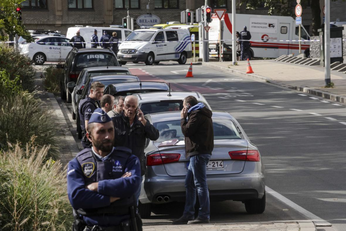 Útočník pobodal v Bruselu dva polciisty