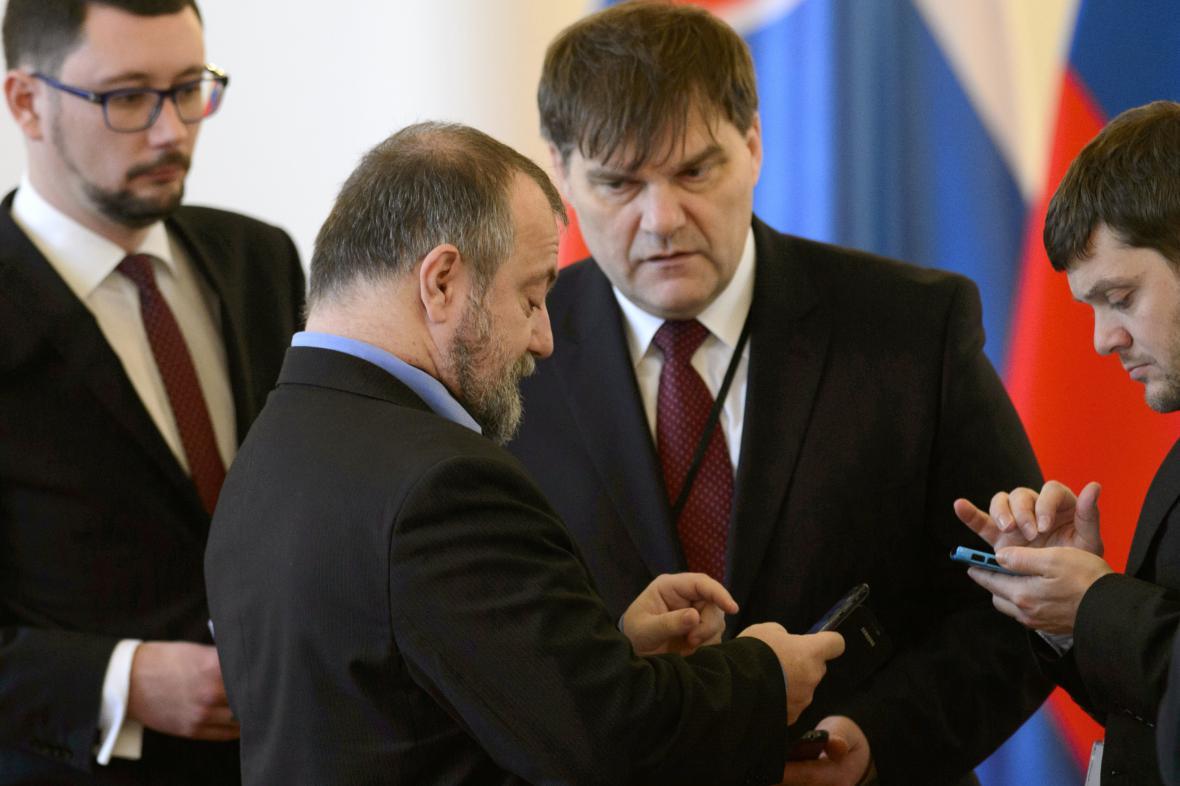 Jiří Ovčáček, Hynek Kmoníček a Rudolf Jindrák (vpravo)