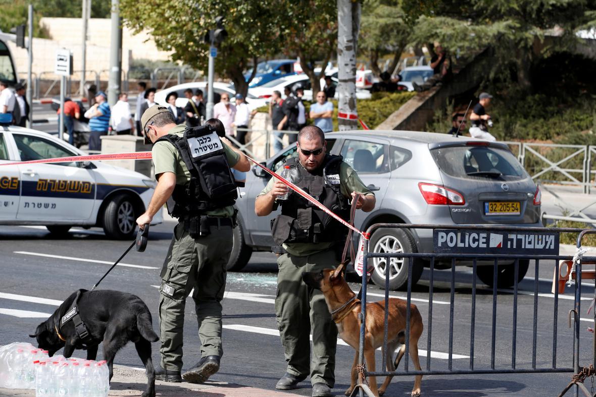 Izraelská policie prohledává oblast, kde došlo ke střelbě