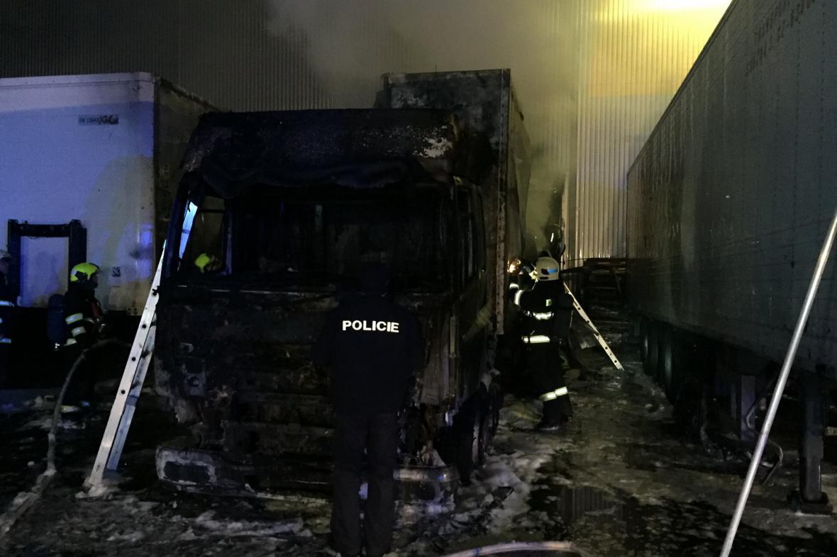 Zásah jihomoravských hasičů v Modřicích u Brna