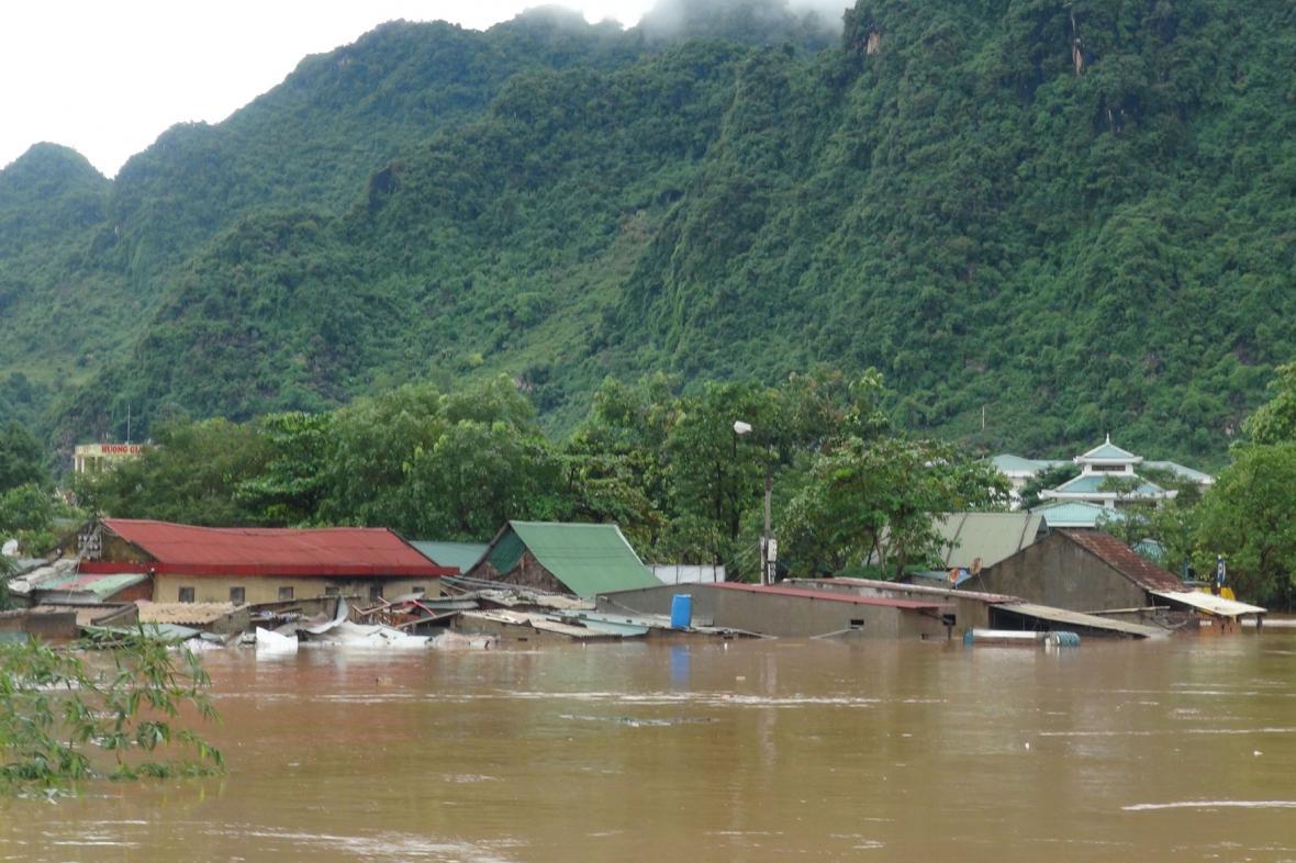 Záplavy ve Vietnamu v provincii Quang Binh