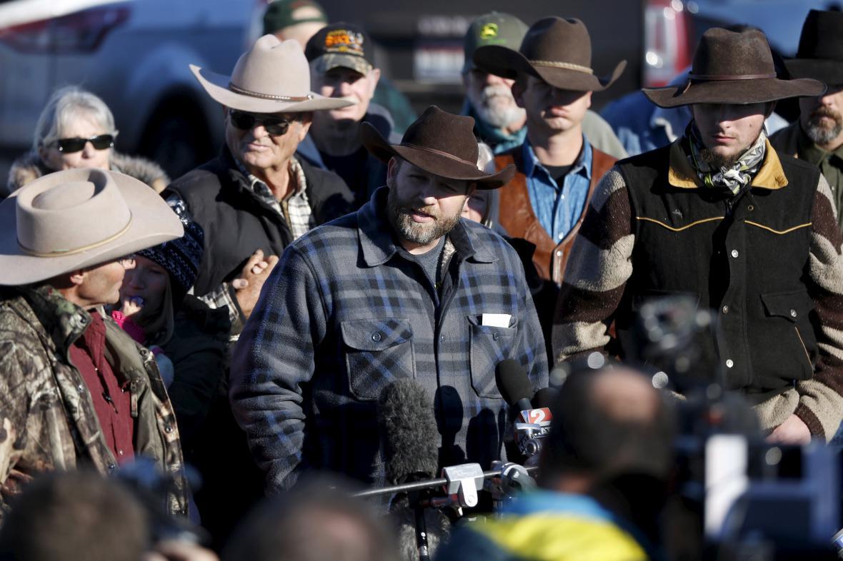 Ammon Bundy hovoří po zprošťujícím verdiktu s novináři