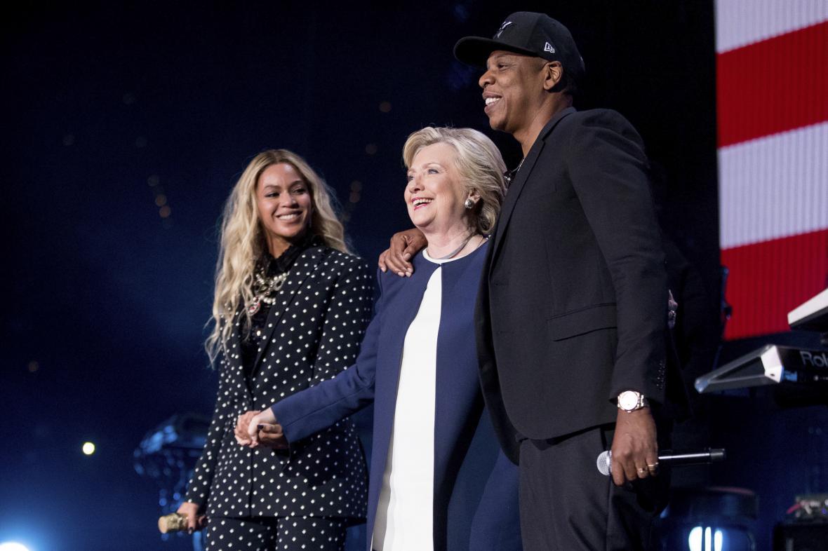 Hillary Clintonová s raperem Jay-Z a zpěvačkou Beyoncé