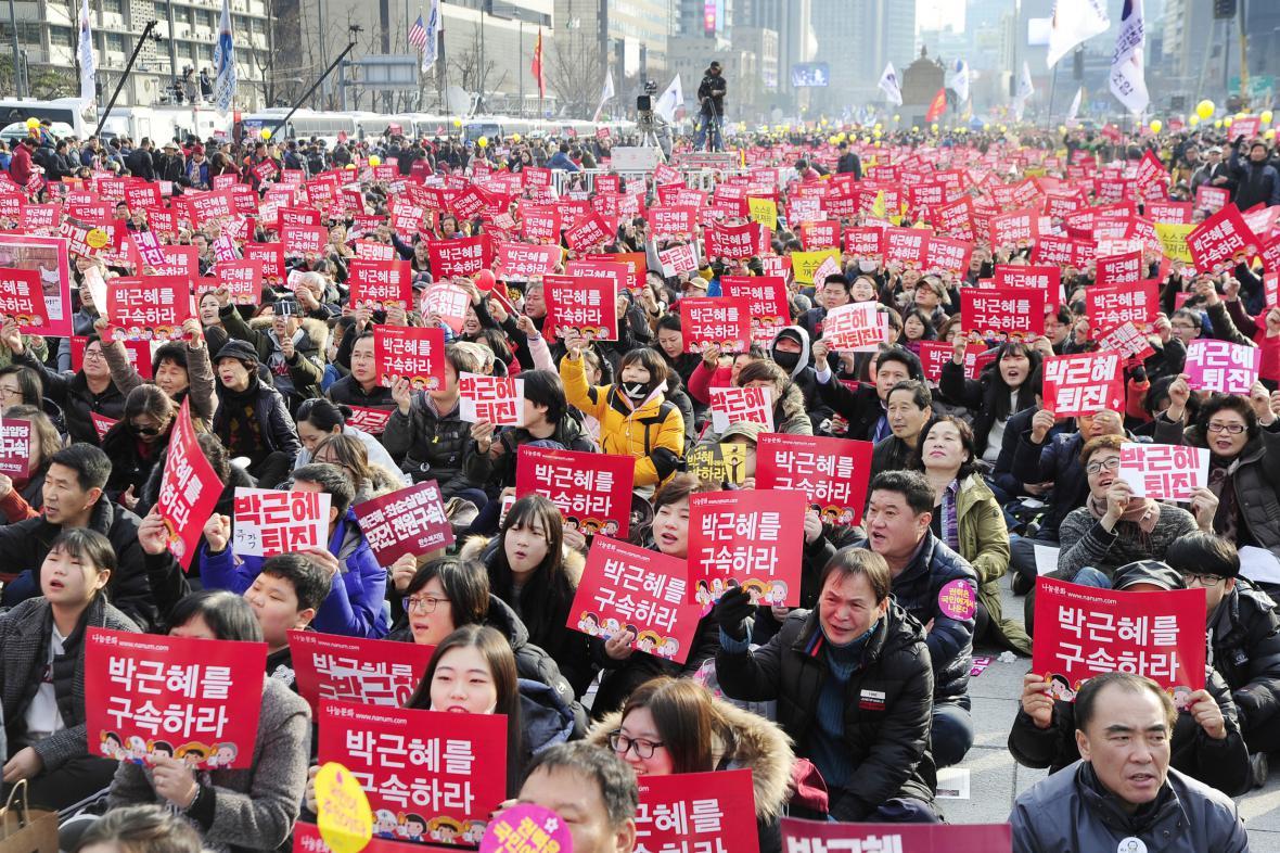 Protesty proti jihokorejské prezidentce v Soulu