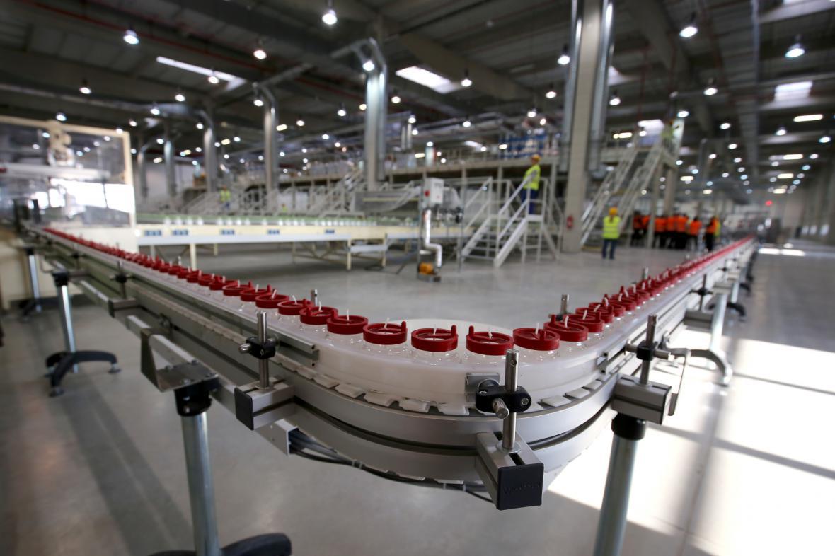 Nově otevřená továrna na svíčky