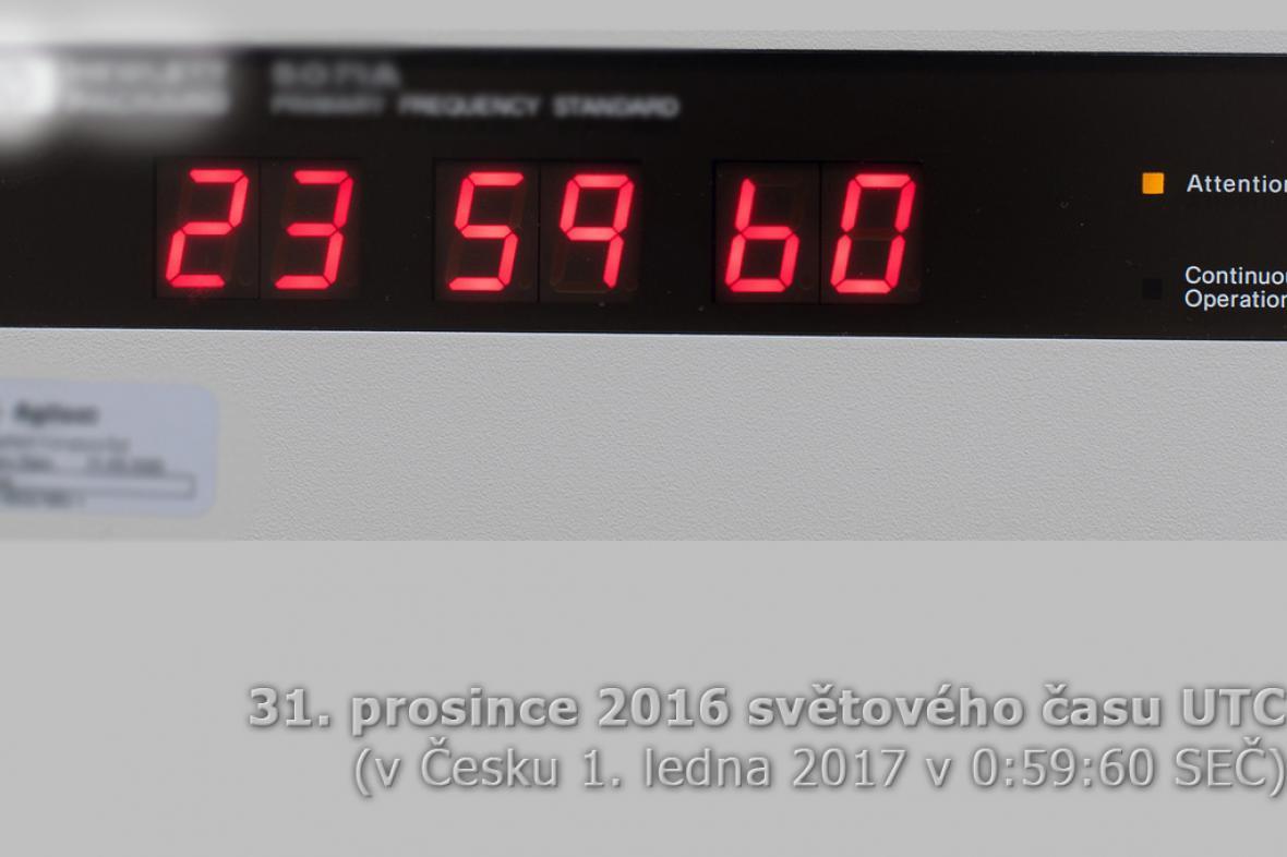 Přestupná sekunda viditelná na displeji automaticky řízených hodin
