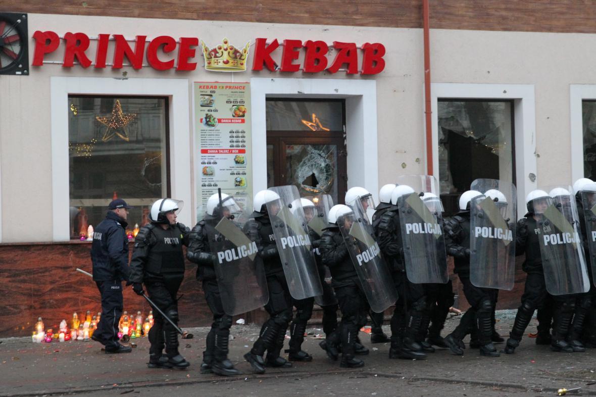 Nepokoje v Polsku po zavraždění Poláka