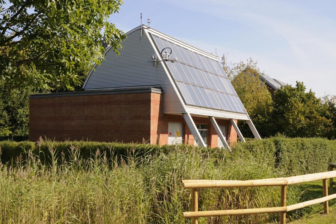 Budova se solárním panelem v Hamburku