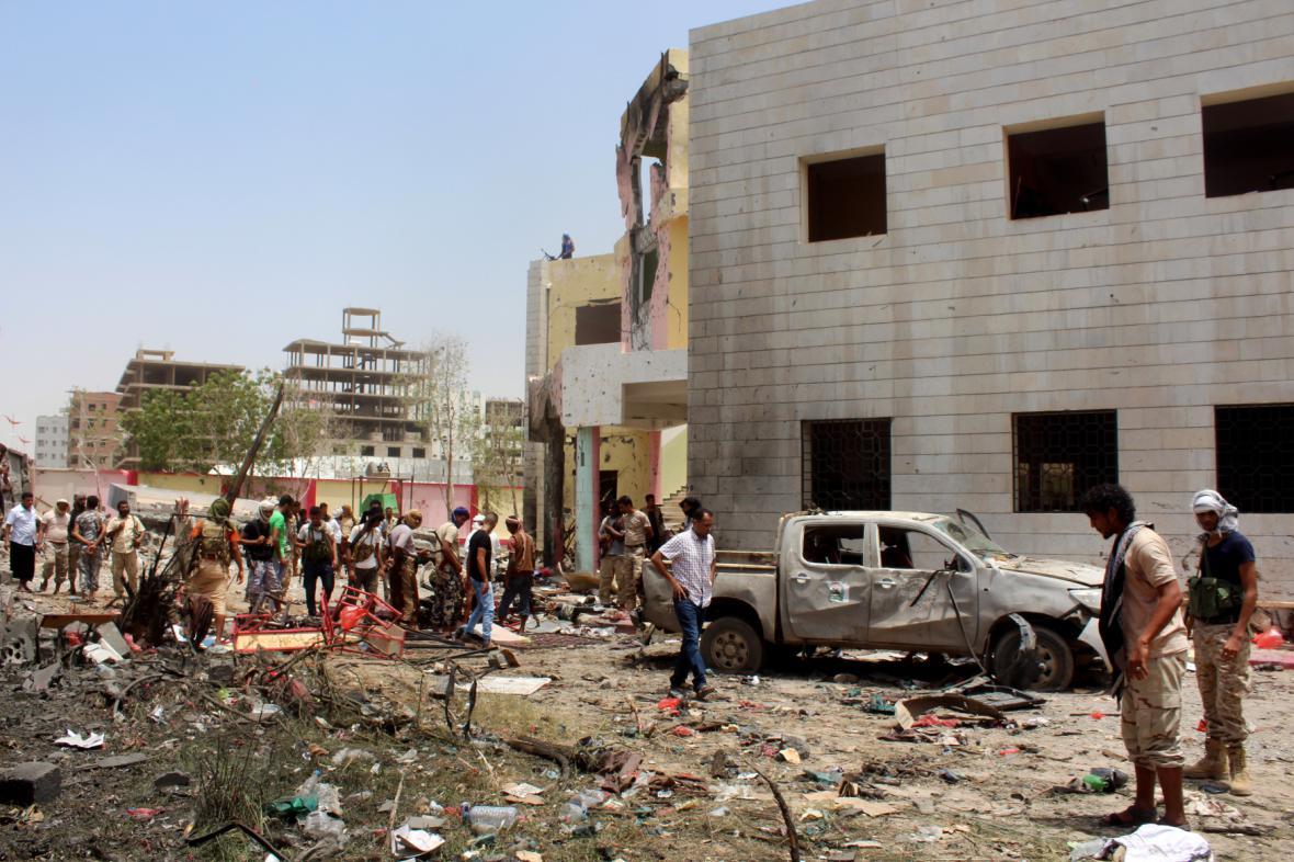 Následky teroristického útoku v Jemenu