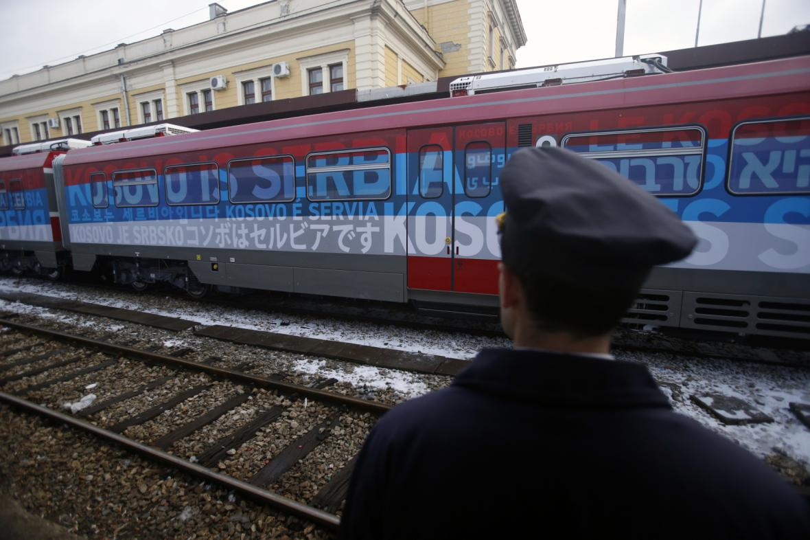 Ze Srbska vyrazil na sever Kosova první vlak