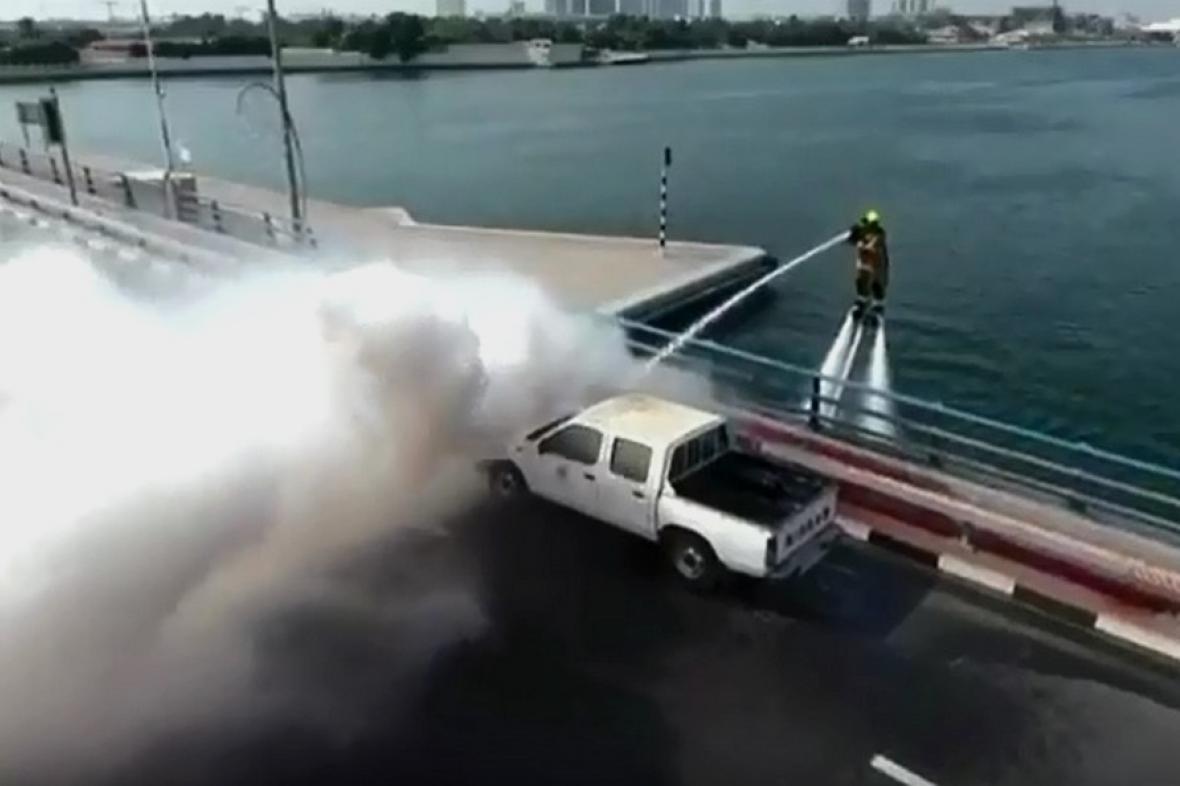 Dubajští hasiči v akci
