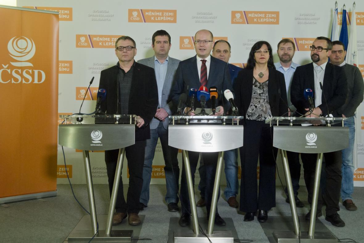 Nové vedení ČSSD zvolené na sjezdu v Brně
