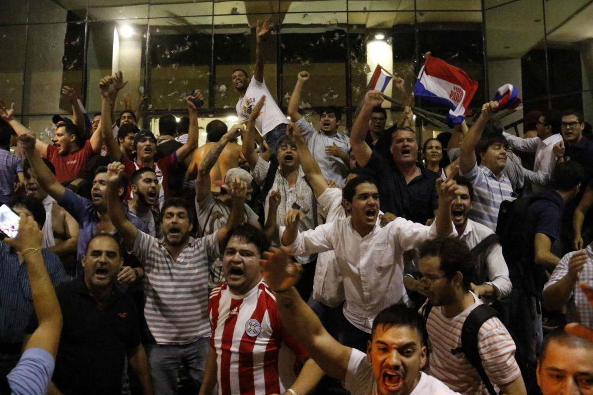 Demonstranti v paraguayské metropoli