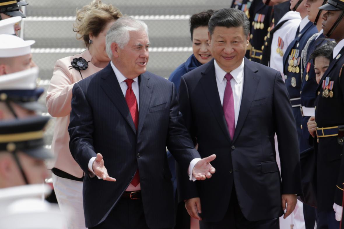 Si Ťin-pchinga uvítal na Floridě šéf americké diplomacie Rex Tillerson
