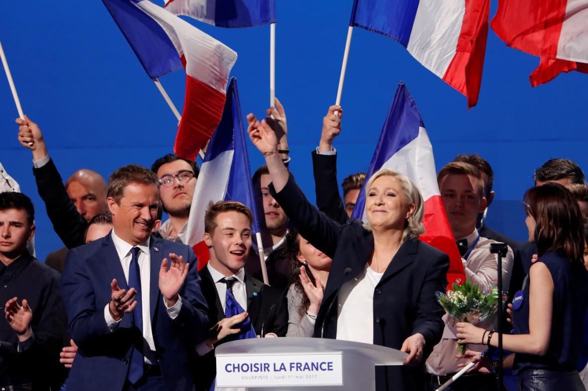 Marine Le Penová na shromáždění ve Villepinte