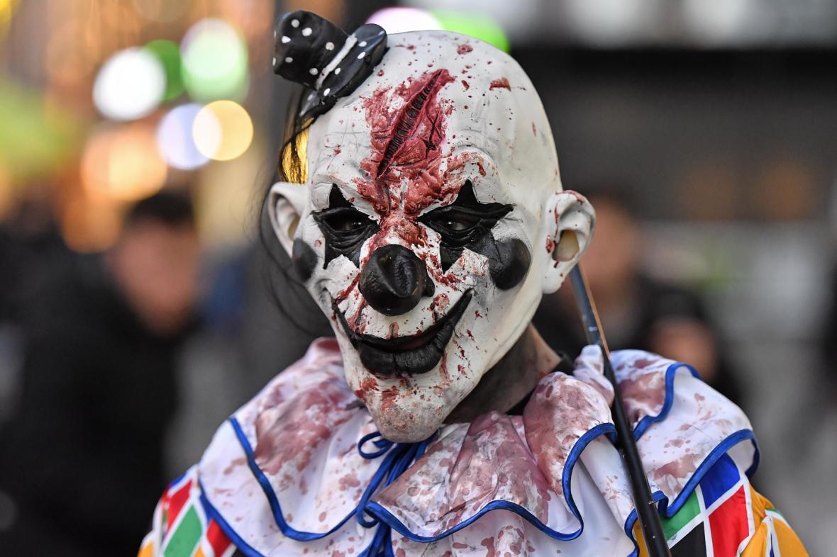 Děsivý halloweenský klaun v Německu