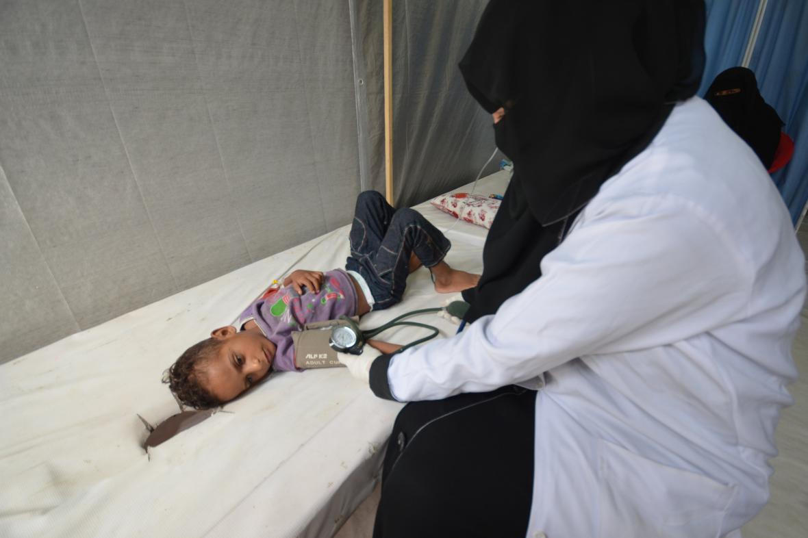 Dítě v Jemenu nakažené cholerou