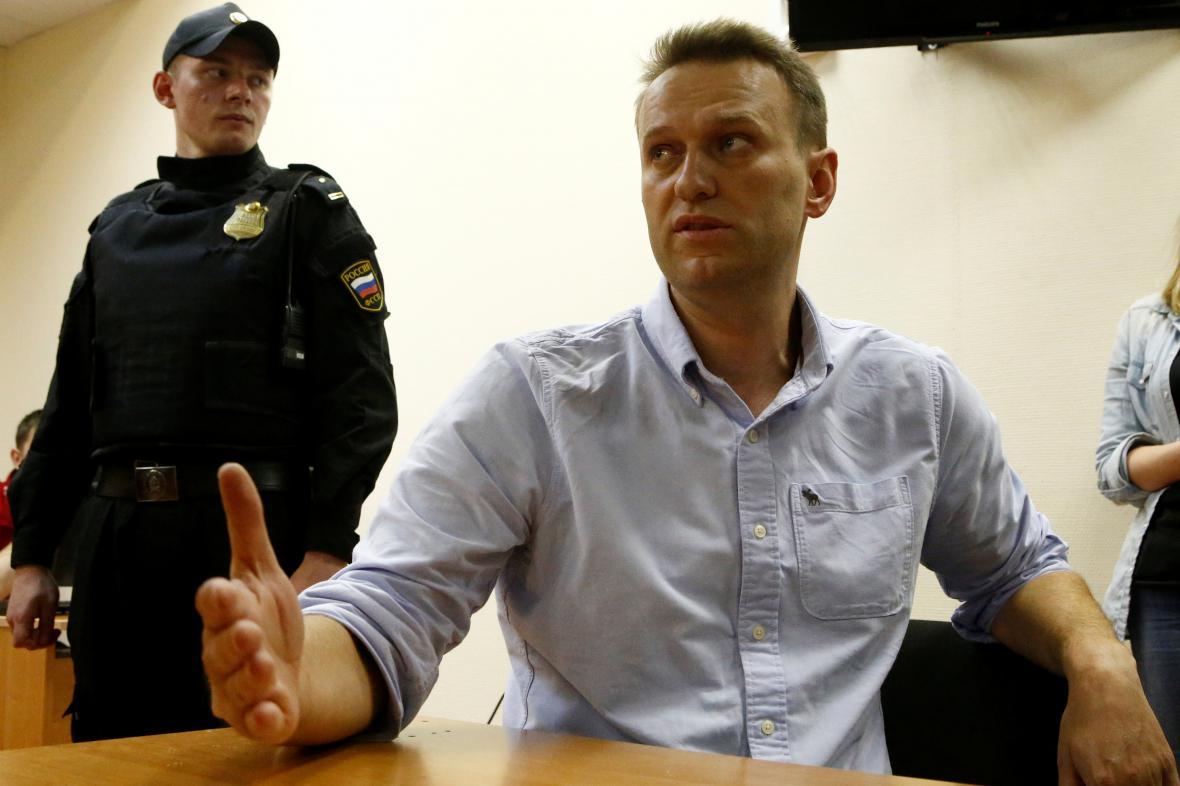 Alexej Navalnyj během slyšení u soudu