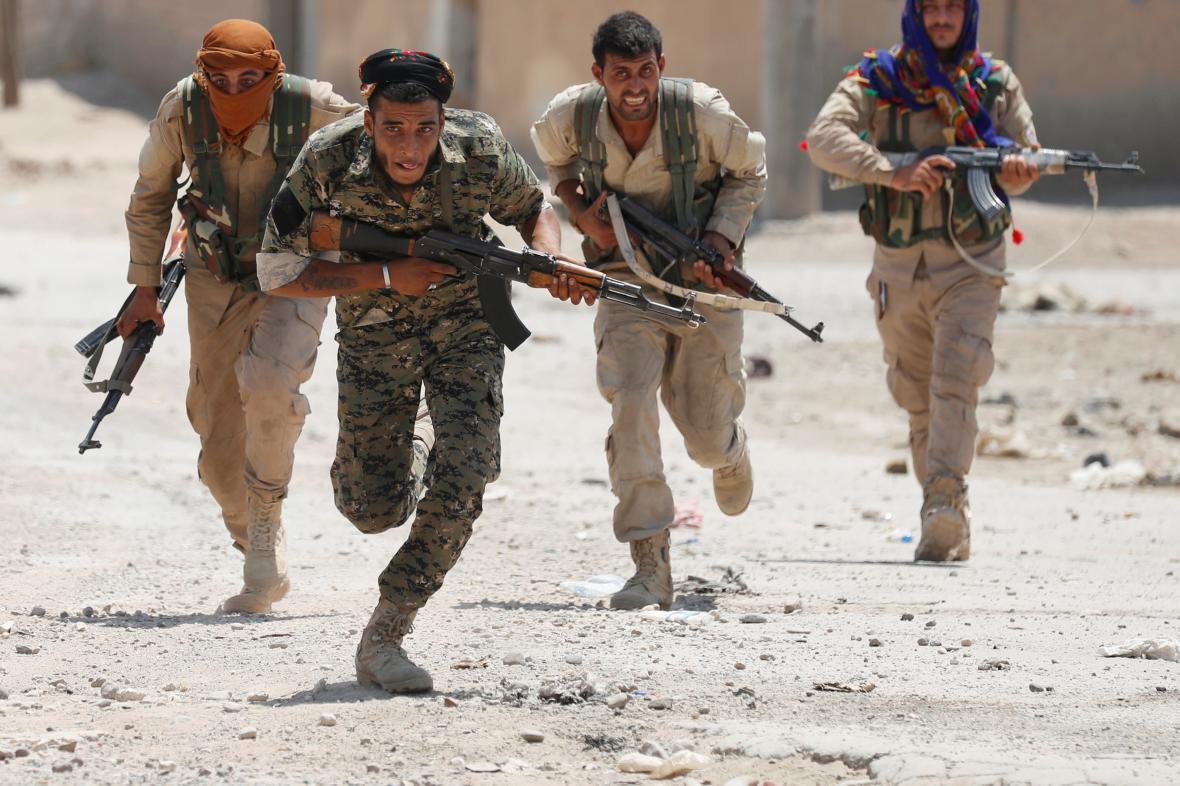 Kurdské milice YPG v Rakká