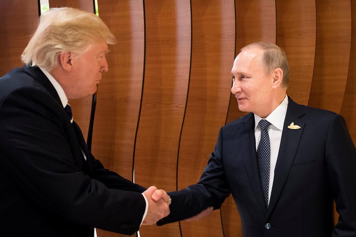 První setkání Trumpa s Putinem