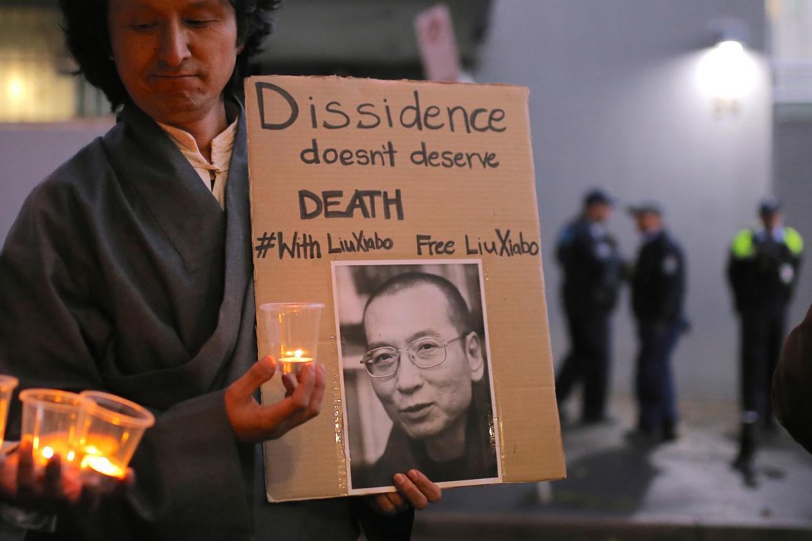 Protest na podporu čínského disidenta Lioua