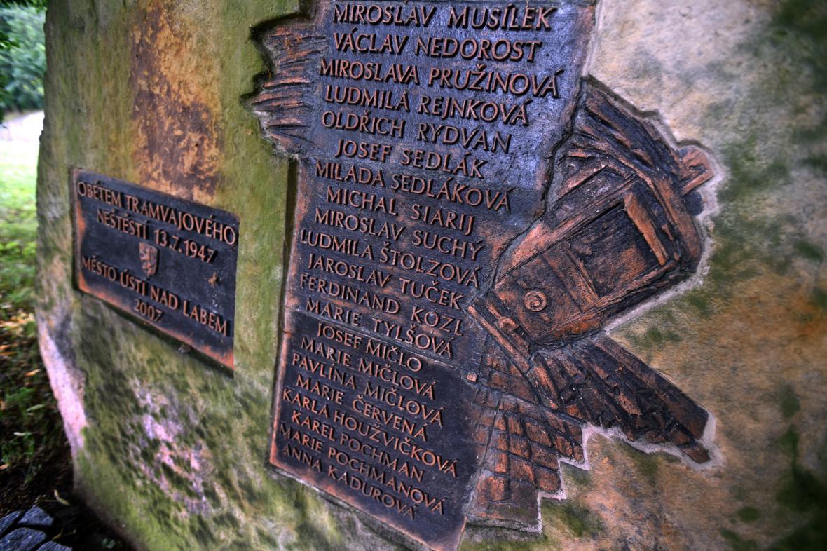 Pomník obětem ústeckého neštěstí