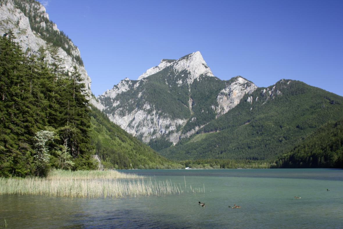 Rakouské Alpy v oblasti městečka Eisenerz