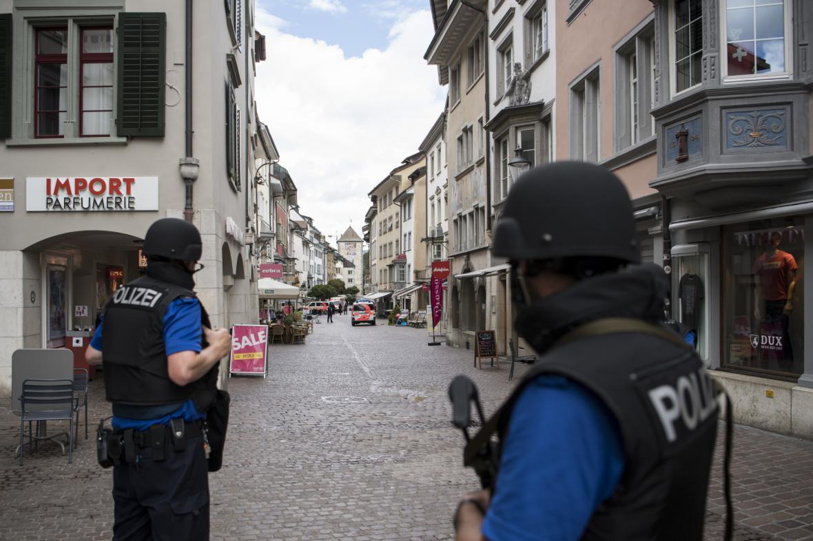 Švýcarská policie na místě činu