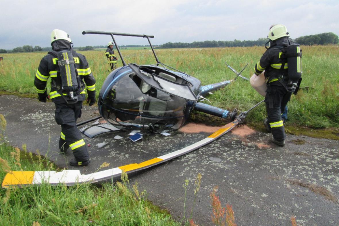 Havárie vrtulníku na letišti v Hradci Králové
