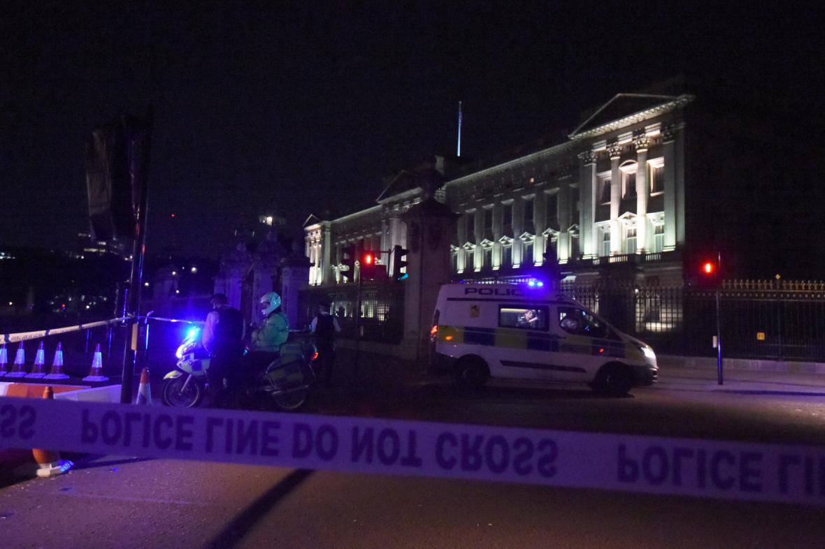 Útok před Buckinghamským palácem