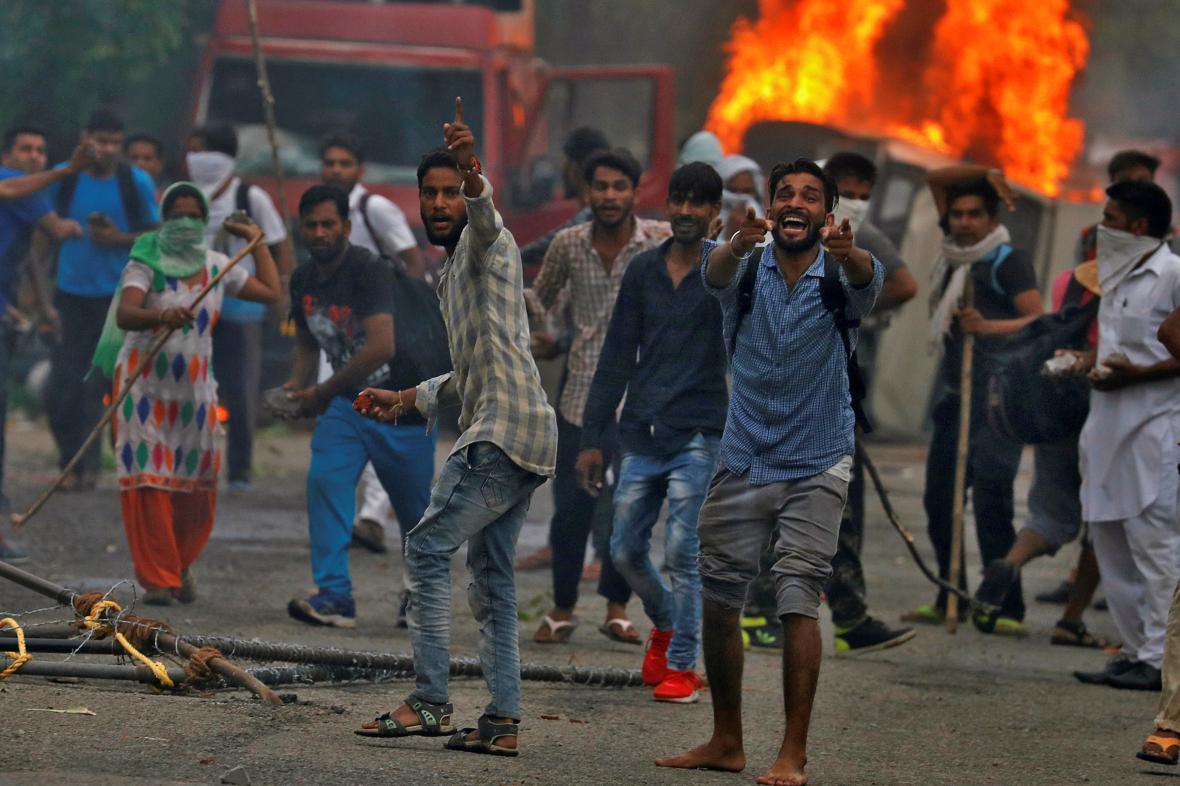 Indické nepokoje po odsouzení guru