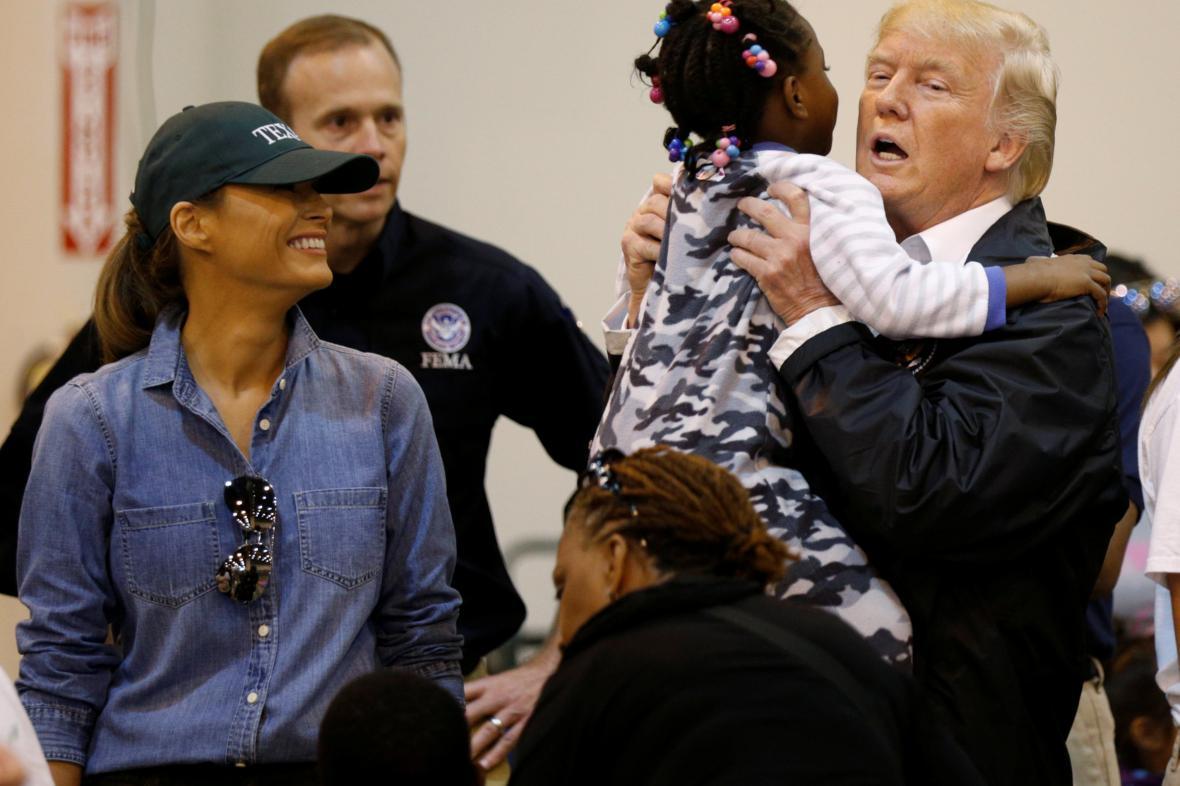 Americký prezident Donald Trump se setkal s oběťmi hurikánu Harvey